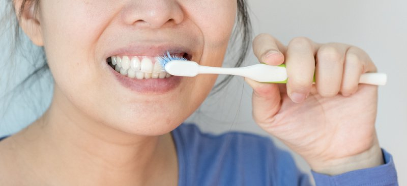 9 Mistakes While Brushing Your Teeth